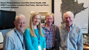 [Photo] Hornsby Mayor Phillips Ruddock, Councillor Emma Heyde, and Trust members Noel Oxley and Norman Parris